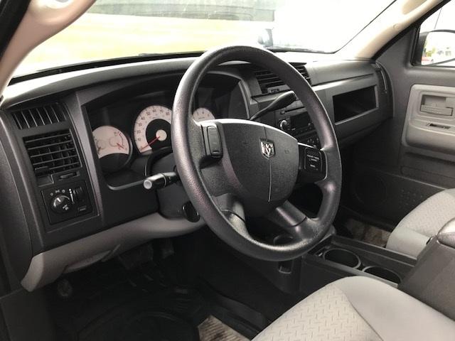 2008 Dodge Dakota 4