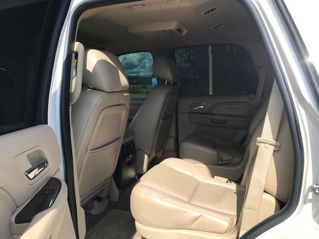 2011 Cadillac Escalade 10