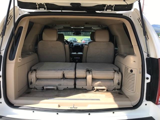 2011 Cadillac Escalade 12