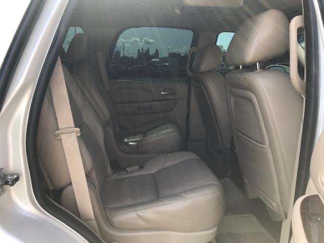 2011 Cadillac Escalade 15