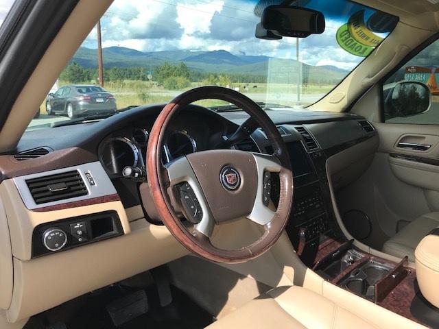 2011 Cadillac Escalade 8