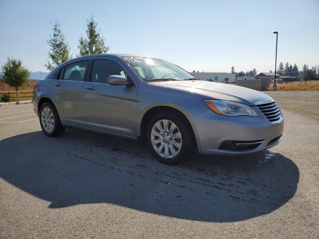 2014 Chrysler 200 3